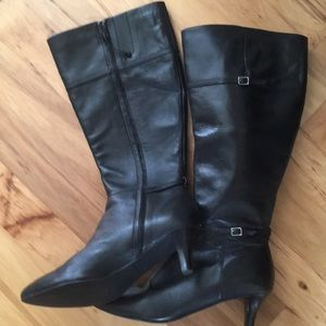 Cole Hahn boots